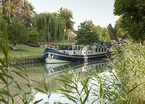 Beautiful idyllic country moorings