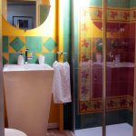 Saroche bathroom