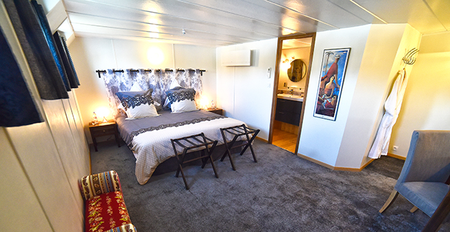 burgundy luxury france hotel barge