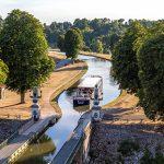 Renaissance crossing the Briare aqueduct