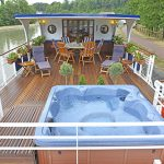 Beautiful deck with sunroof and jacuzzi