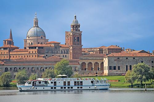 La Bella Vita Opera Cruise